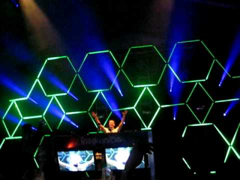 SPACEMAN - SANDER VAN DOORN @ BEYOND WONDERLAND 2010
