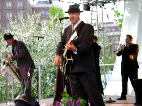 Big Bad Voodoo Daddy Mr Pinstripe Suit