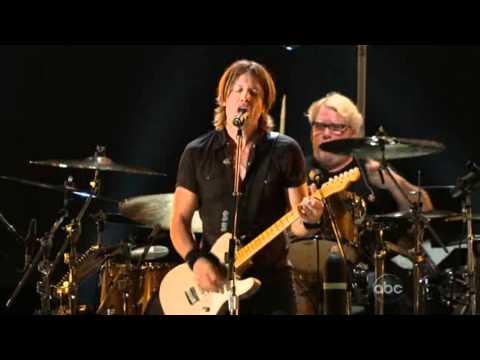 Keith Urban - A Little Help From My Friends - CMA Music Festival