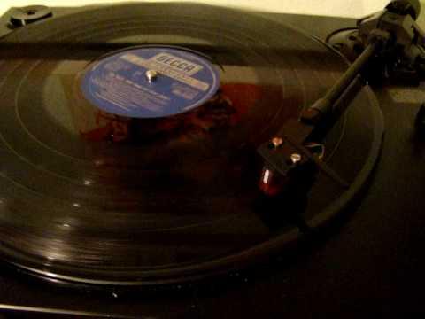 Tom Jones - Ain�t No Sunshine When She�s Gone
