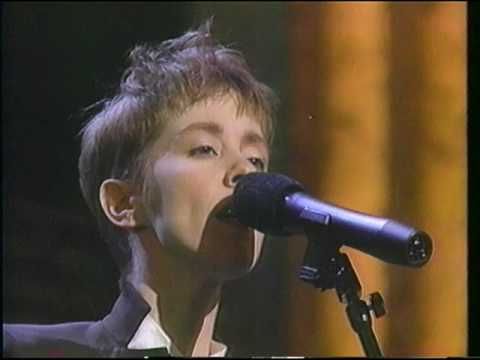 "(4/10) Suzanne Vega ""Luka"" 30th Grammy Awards 1987"