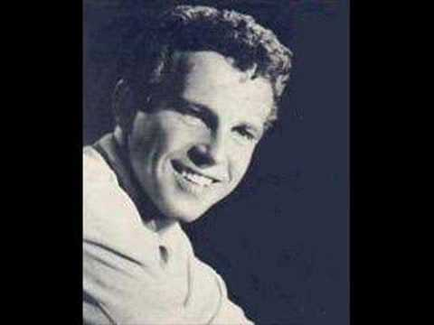 Bobby Vinton - Traces of love