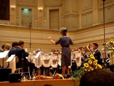 """Colonel Bogey"" Frau Iseli dirigiert die Regional Brass Band Bern an Ihrem 20J.-Jubil�um"