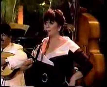 """Linda Ronstadt """"Entre Abismos"""""""