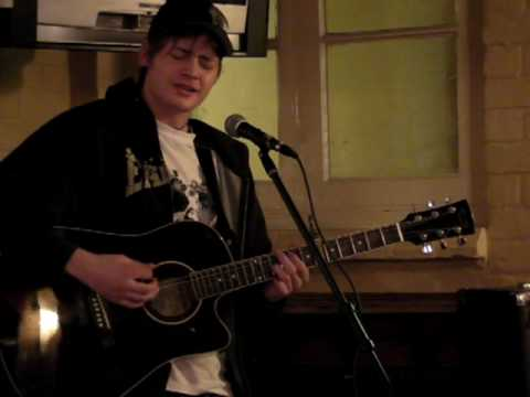 Jasper Cannonball (Damien Rice cover live at the Horn & Trumpet, Worcester - Sunday 1st March 09)