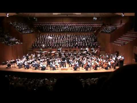 Carmina Burana - O Fortuna - with lyrics & translation - Sydney Opera House