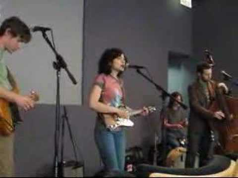 Carrie Rodriguez \ 1 @ The Apple Store 041407