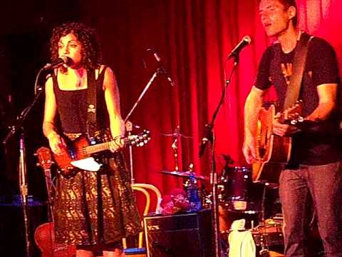 "Her hit single, ""She Ain`t Me"" Carrie Rodriguez Band, Santa Rosa, Ca."