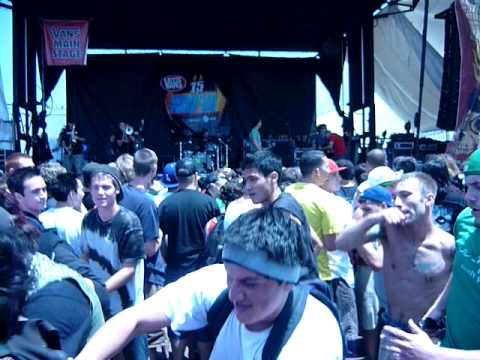 "Warped Tour Ventura `09 - Less Than Jake with ""Carrot Top"""