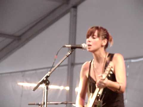 "Cat Power - ""Hit The Road Jack"" - Live at Bonnaroo"