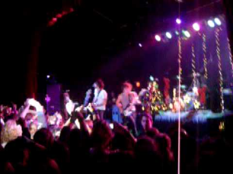 All Time Low- Six Feet Under The Stars. december 27 2008 at the TLA