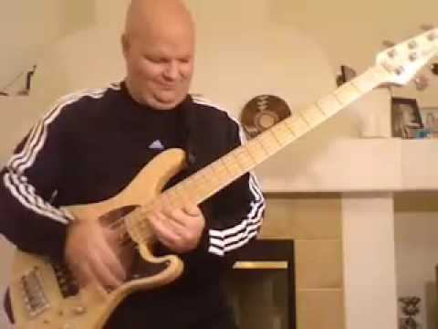 Crazy Slap bass solo- CORT artist Darrell Craig Harris Cirque du Soleil ZED - Tokyo Japan