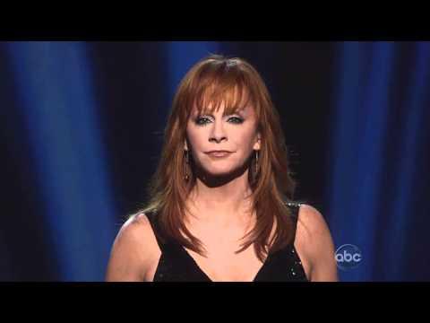 Reba McEntire - If I Were A Boy - CMA Awards 2010