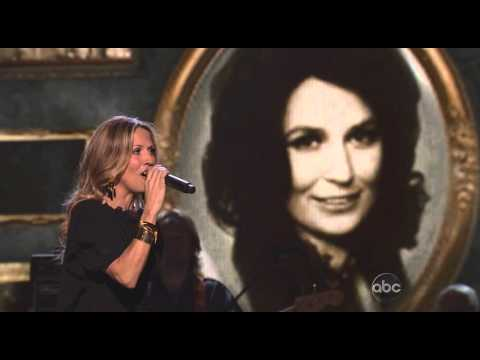 Miranda Lambert Loretta Lynn Sheryl Crow - Coal Miner`s Daughter - CMA Awards 2010
