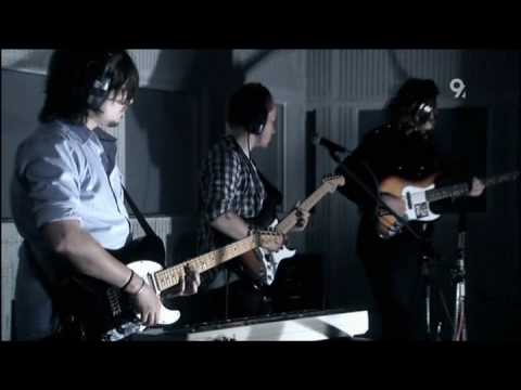 The Temper Trap - Love Lost (Live Abbey Road 2009)