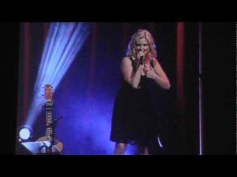 """Breathless"" perfromed live at the 2010 WFMS & HHGregg Country Music Expo"