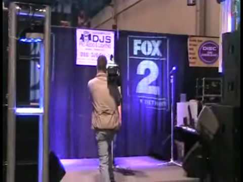 Jena Asciutto performs at Metro Music Expo for Fox 2 News