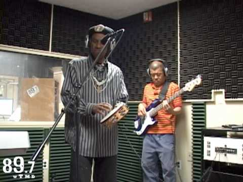 "Cyril Neville performs ""Cheatin` and Lyin`"" Live at WTMD"