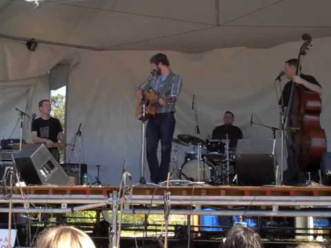 "Dan Mangan - ""Sold"" - Live at VFMF 2009 (HQ)"