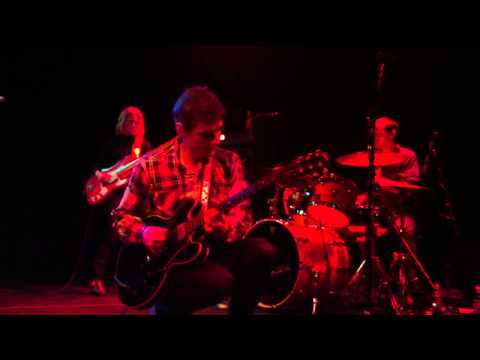 "Dean Wareham plays Galaxie 500 - ""Listen the Snow is Falling"" @The Crocodile, Seattle (11/16/10)"