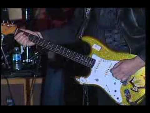 Dick Dale performing Miserlou at Fender NAMM 2008 Gala (2)