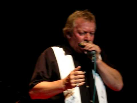 20091112c Montreal, Downchild Blues Band, Nanette Workman, Dan Aykroyd