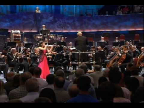 Sarah Chang - Dvorak Violin Concerto (part 5)