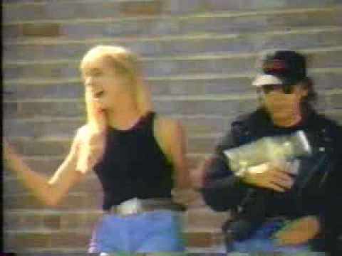 Dwight Yoakam, Streets of Bakersfield Video