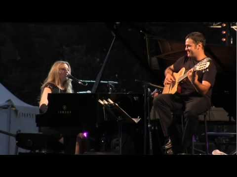 "Eliane Elias ""They cant take that away from me"" Live"