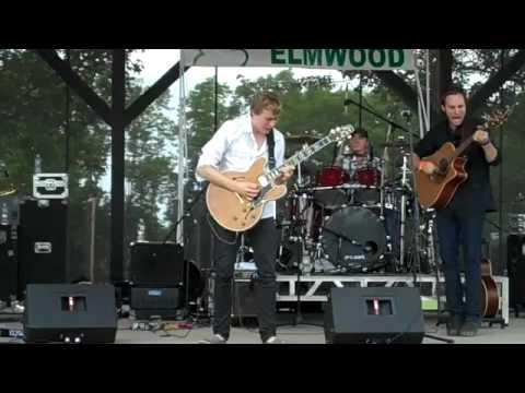 Joe Robinson Jamming with Elmwood