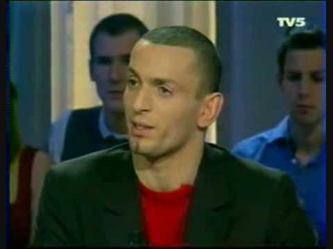 Bouras clash Enrico Macias