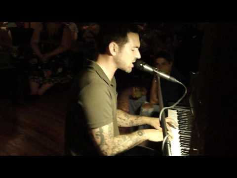 Eric Himan - Jolene on piano - Tulsa, OK 8/15/09