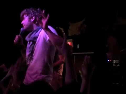 jonny craig live (FAIL STAGE DIVE)