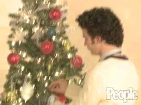 Jonas Brothers Family Christmas Video - People Magazine Holiday Photoshoot! 11/08 Decorate Tree