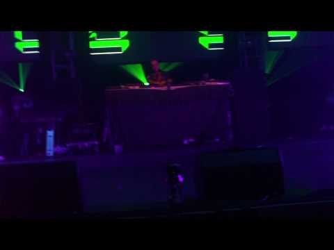 BASS GENERATOR & MC LOCO FANTAZIA UV GLOW SHOW in hd