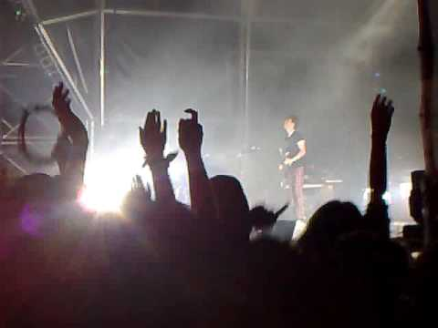 Franz Ferdinand - Take me Out - Live @ Paredes de Coura 2009 (Portugal)