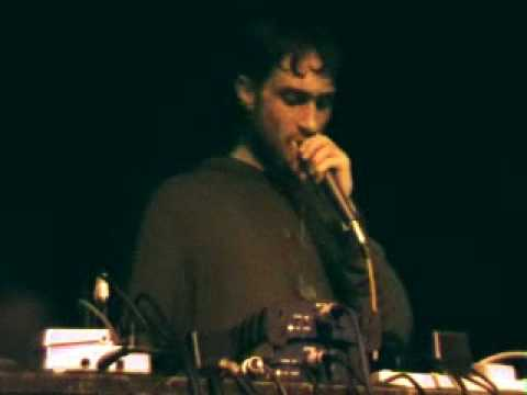 Beardyman live looping at Cargo : PART 8