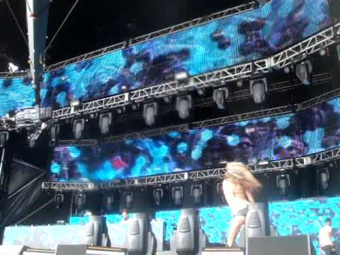Fedde Le Grand Opening (Put your hands up for detriot) Live @ Ultra Music Festival 11 2009