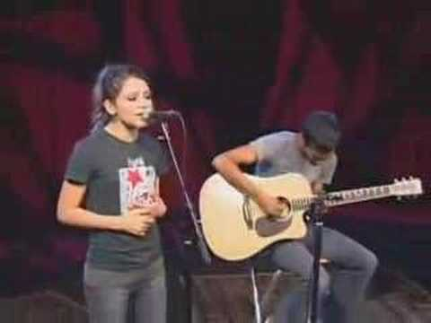 Flyleaf acoustic (Fully Alive)