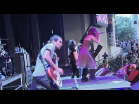 Flyleaf - I`m So Sick (Live 2006)