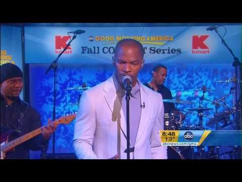 "Jamie Foxx Performs ""Fall for Your Type"" on Good Morning America (12/20/10)"