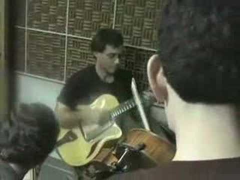 Frank Vignola Group plays stardust