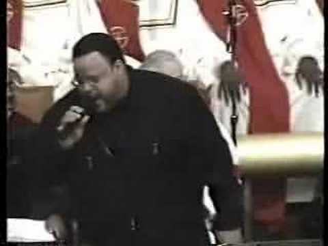 Fred Hammond - No Weapon