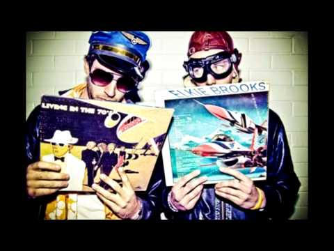 Aeroplane vs. Friendly Fires vs. Flight Facilities - I Crave Paris [HQ]