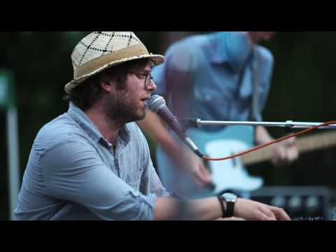 Fruit Bats - Tegucigalpa (Live at the Mural)