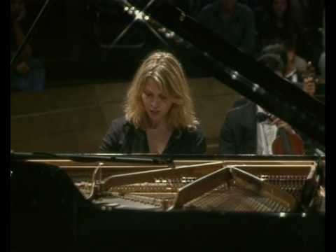 Gabriela Montero improvises on Rachmaninoff`s third piano concerto in the style of Bach I