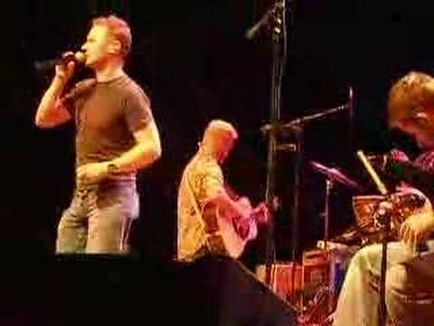 Gaelic Storm - Courtin` in the Kitchen (live)