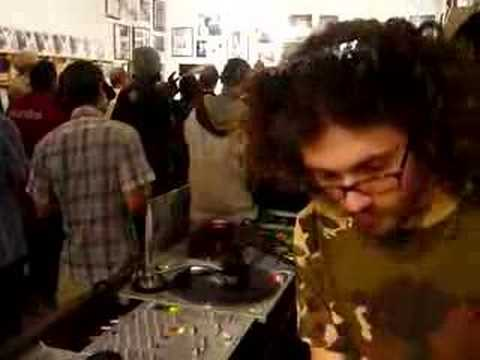 Gaslamp Killer at Turntable Lab LA/Stones Throw Instore