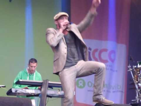 Gentleman & Evolution live at Festival Mundial 2010 - 7. Singing Sizzla`s Get to the Point