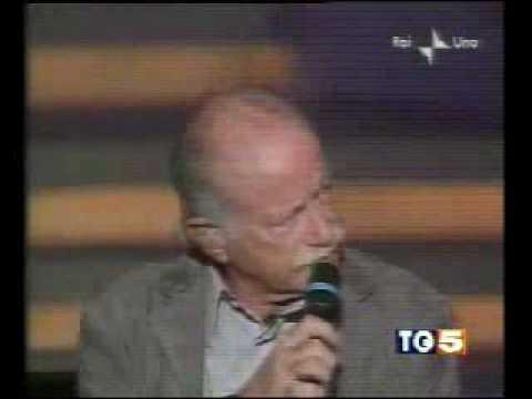 Gino Paoli alza il gomito e ferma l` orchestra